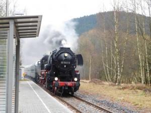 Dampfzug Biedenkopf - Erndtebrück, mit Dampflok 52 1360 Eisenbahnfreunde Treysa e.V.